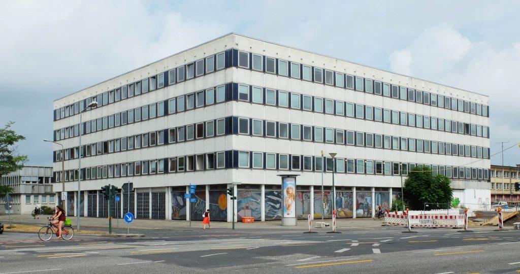 Datenverarbeitungszentrum Ecke Breite Straße / Dortustraße, 1969 – 1971, Kollektiv Sepp Weber, Zustand nach dem Umbau, Blick nach Nordosten, Sommer 2013