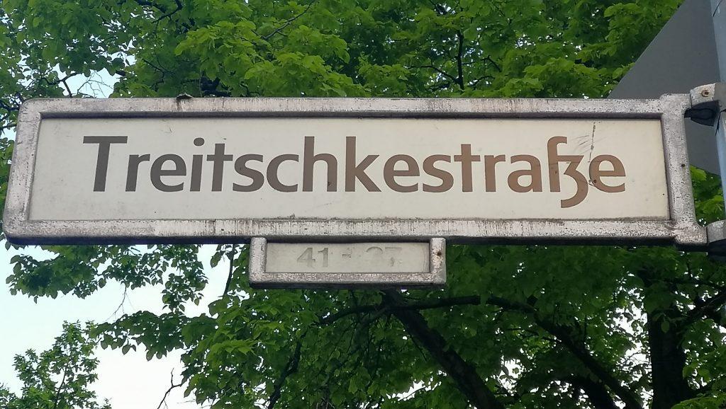 Treitschkestraße in Berlin-Steglitz. In einer Bürgerbefragung 2012 wurde die Umbenennung abgelehnt